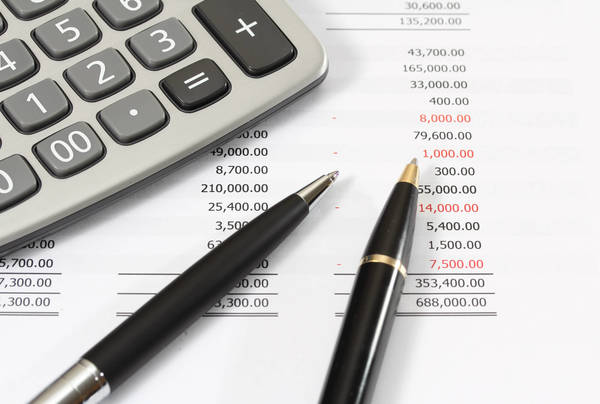 Como calcular os custos de uma viagem de caminhão e economizar?